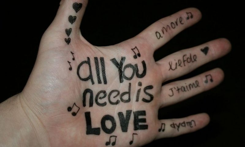All You Need Is Love - Bildhinweise beachten