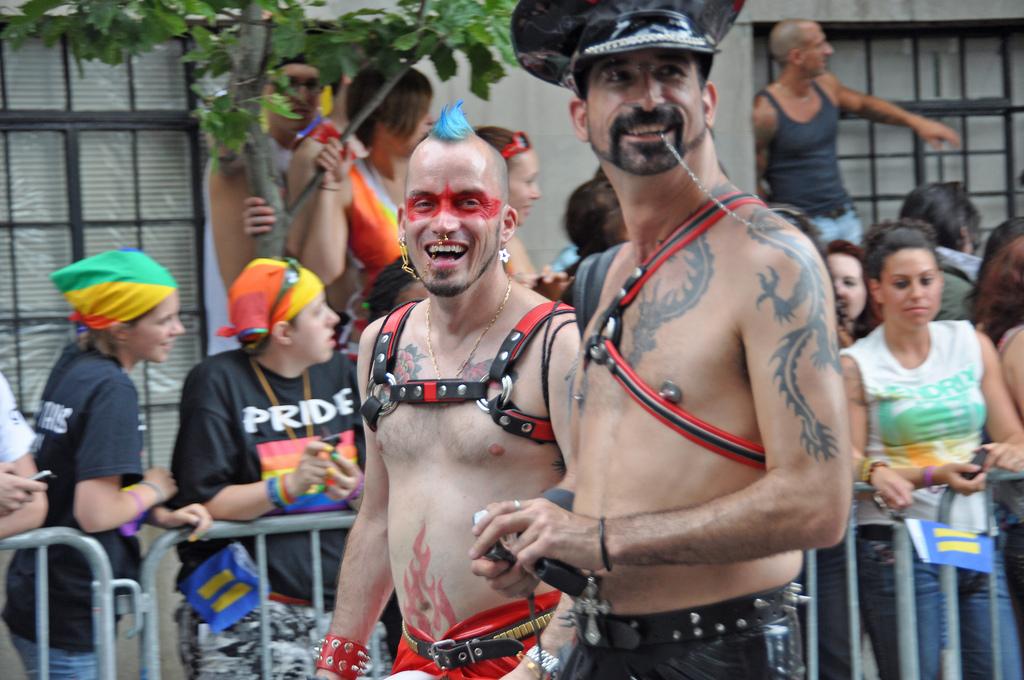 was heißt bisexuell Lutherstadt