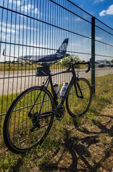 Rennrad und Airbus A320-neo