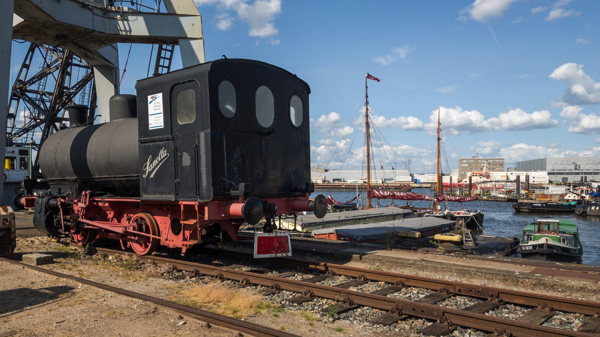 Alte Dampflok am Hafenmuseum