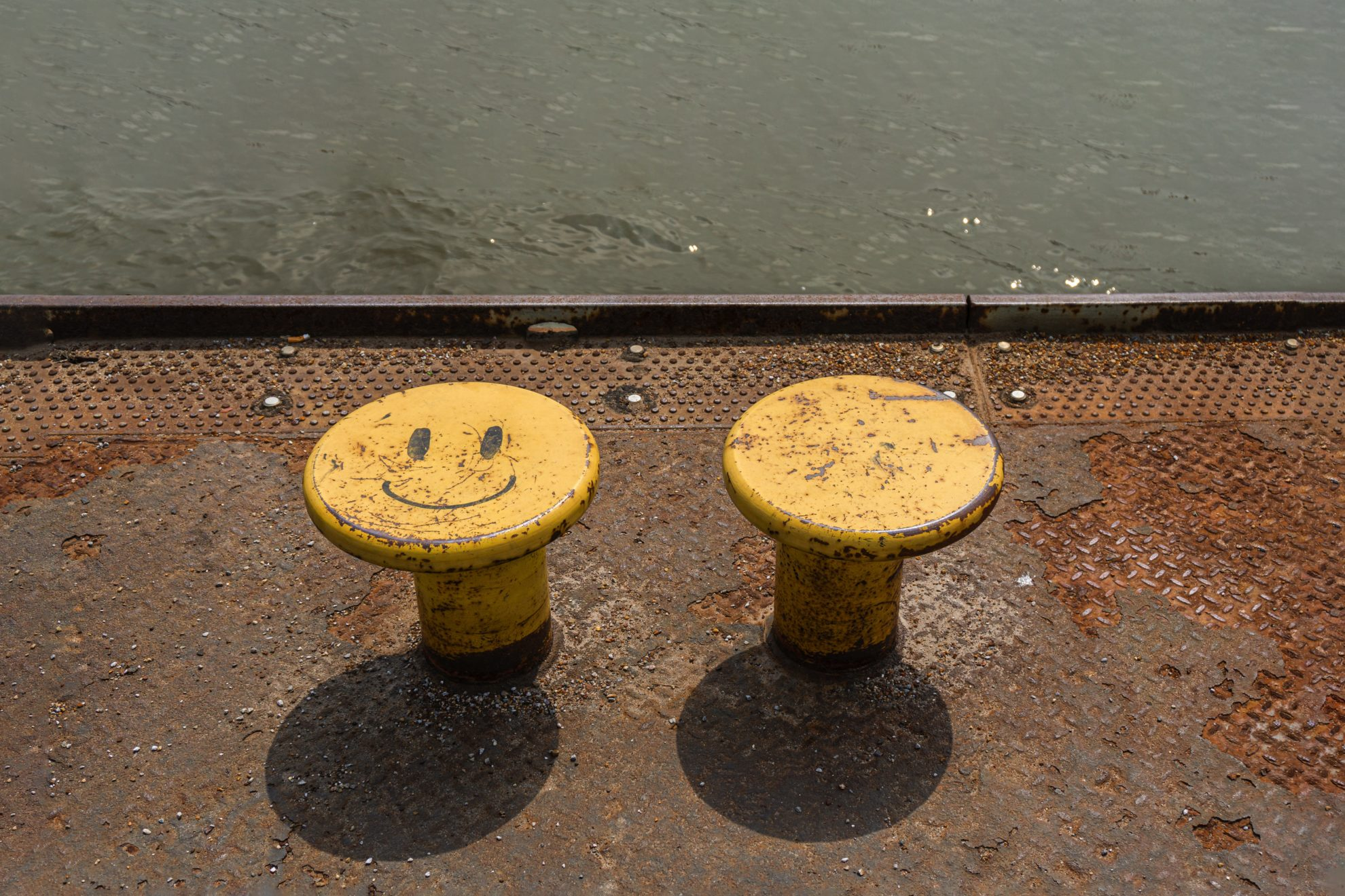 Smiling and neutral Bollard