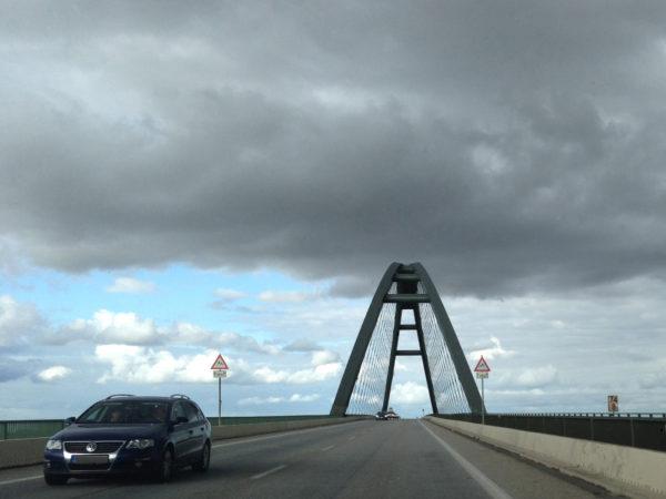 Fahrt auf die Fehmarnsundbrücke