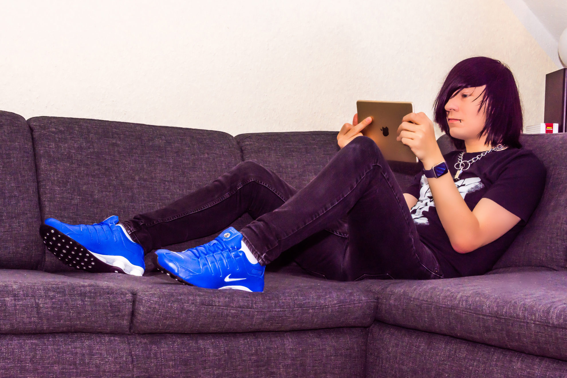 Hendrik auf der Couch