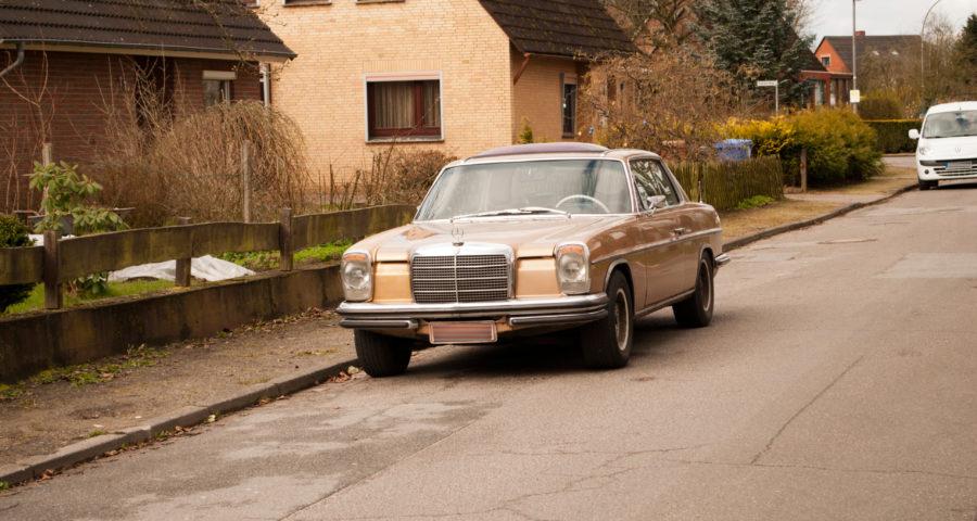 Mercedes Benz Strich Acht Coupé W114 (HDR)