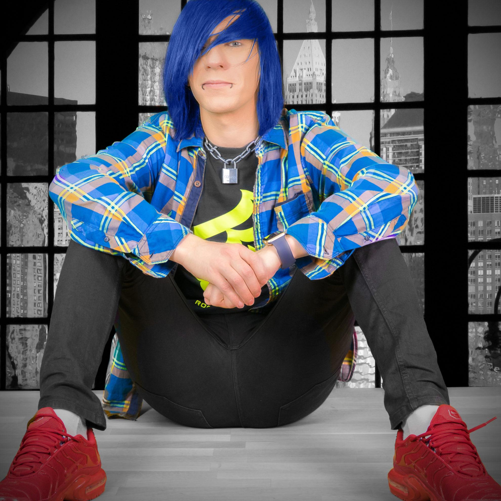 Emo mit blauen Haaren