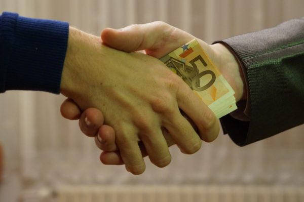 Geld verleihen unter Freunden