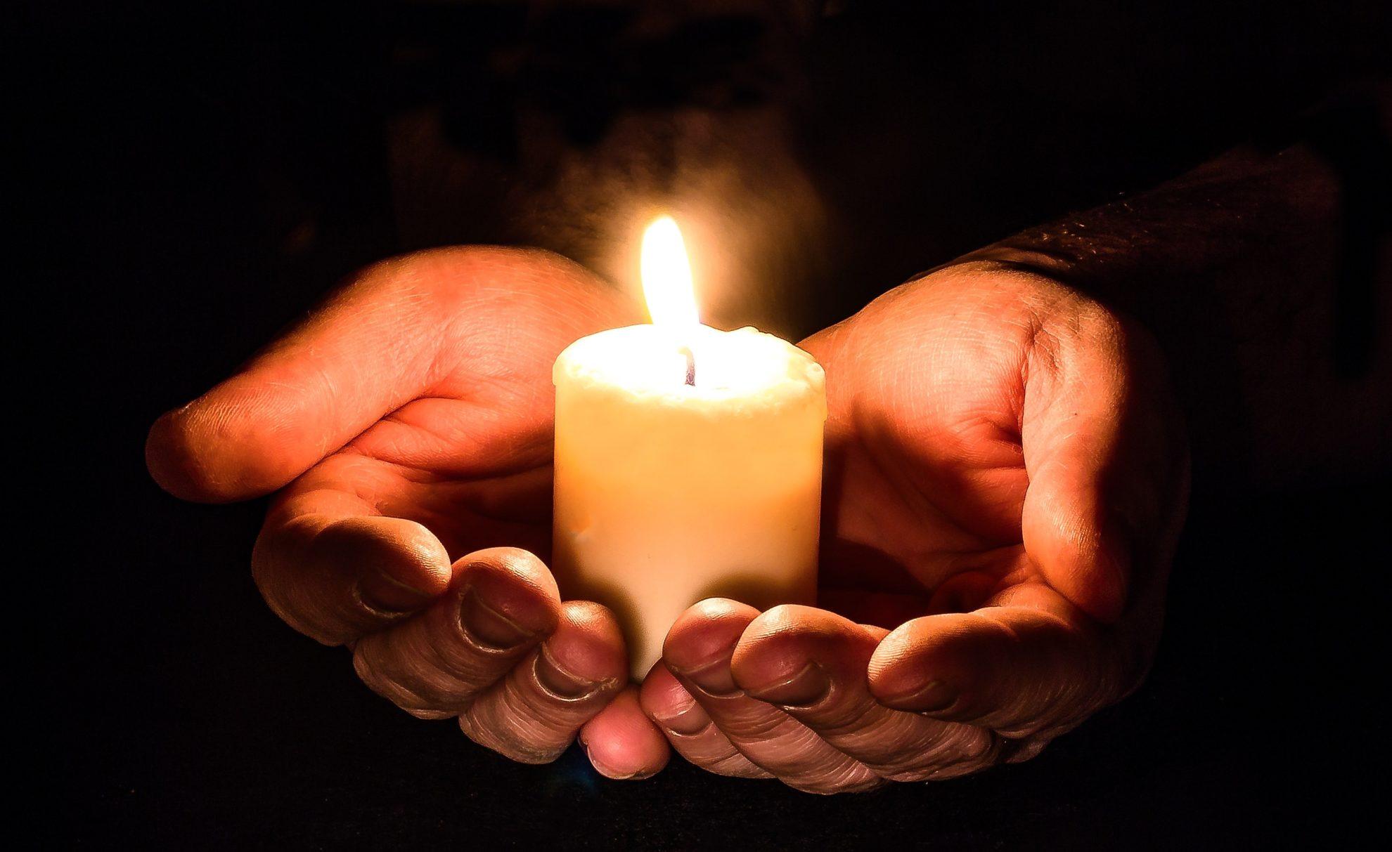 Gebet und Kerze
