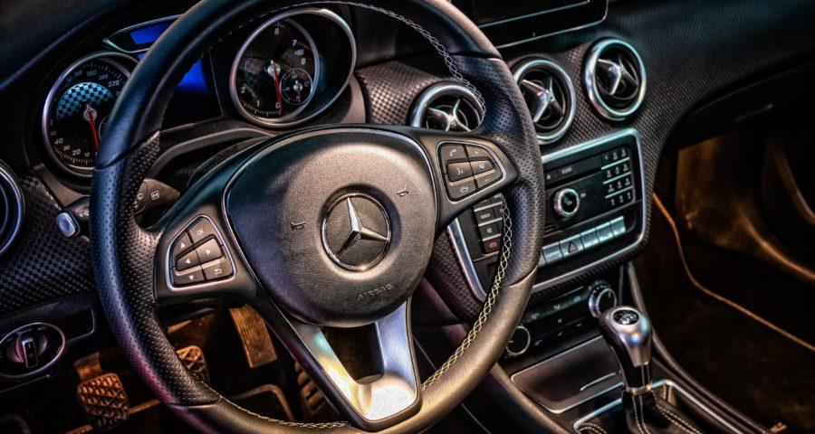 Cockpit Mercedes