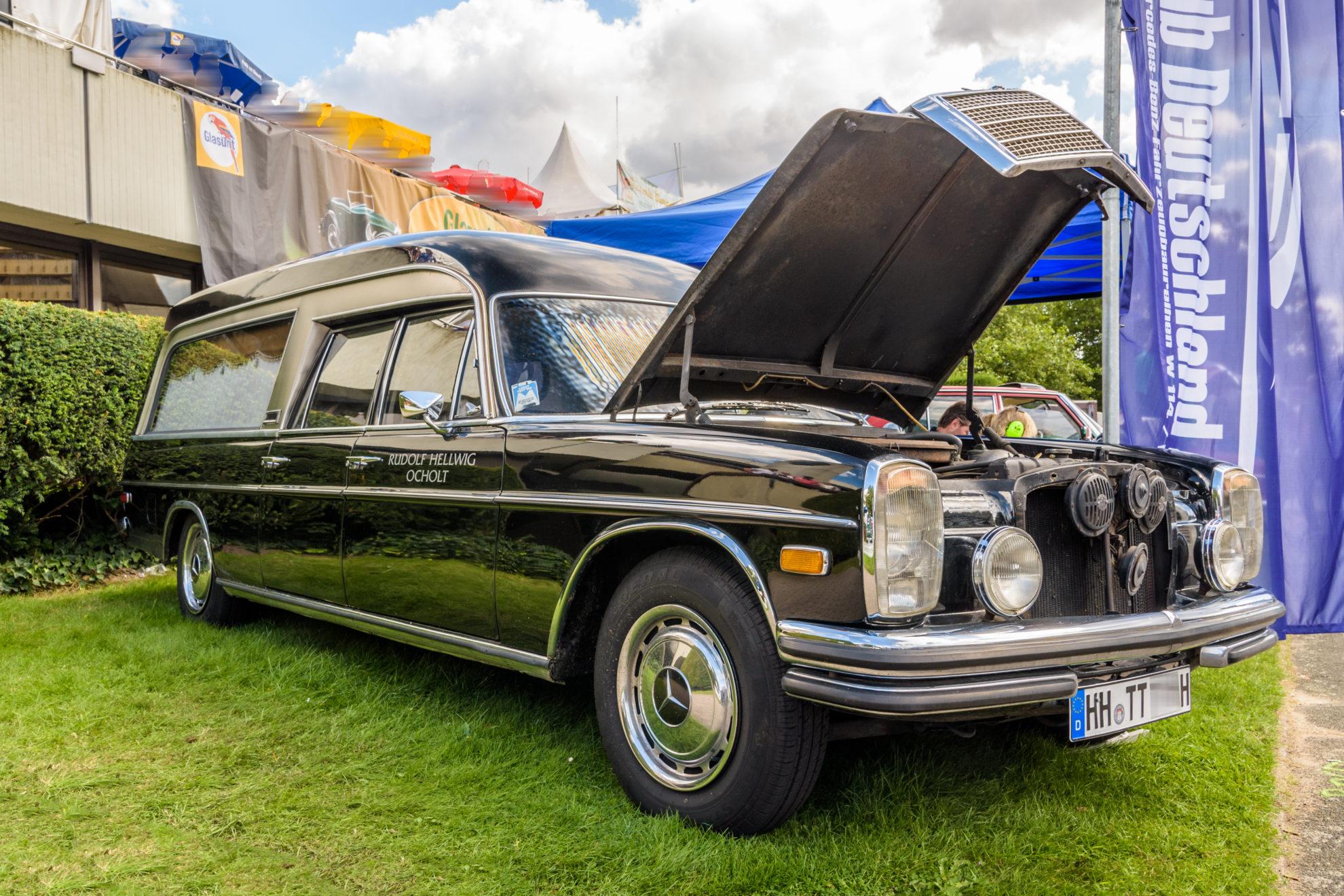 Mercedes-Benz /8 - W114/W115 - Umbau zum Leichenwagen