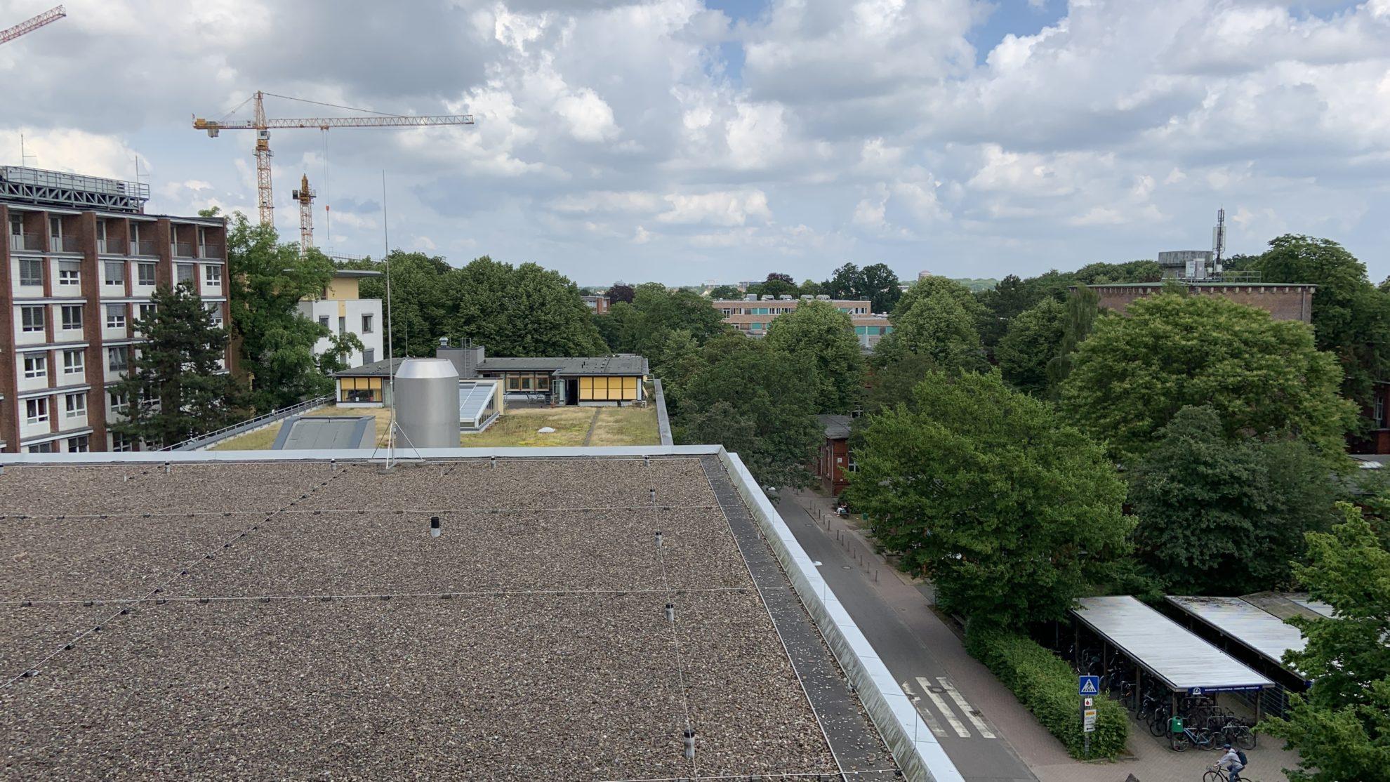 Blick aus einem Fenster auf das UKE-Gelände