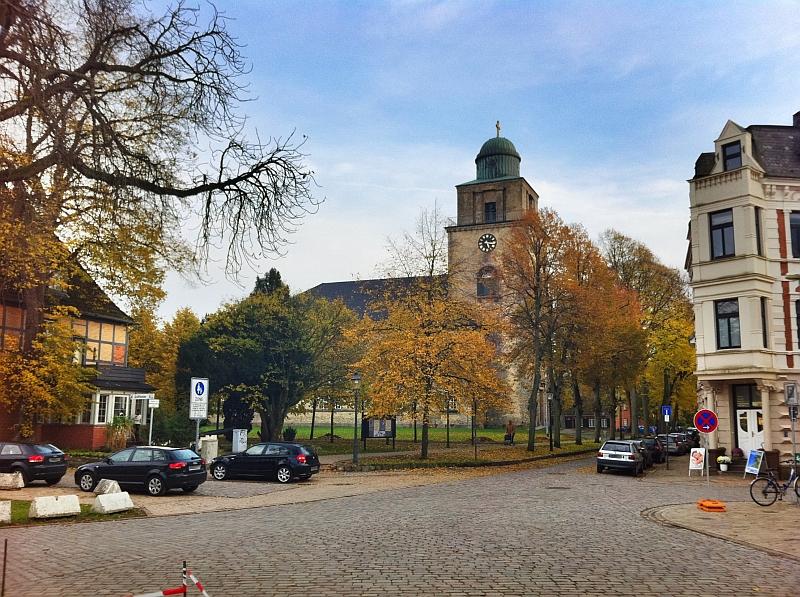 Evangelische St. Vicelin Kirche zu Neumünster im Gegenschuss